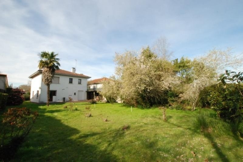 Deluxe sale house / villa Pessac 683900€ - Picture 1