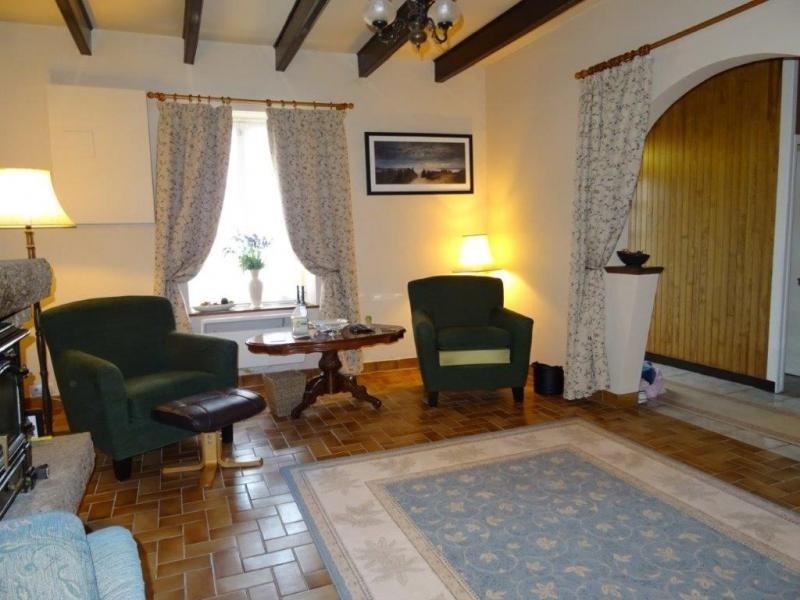 Sale house / villa Plusquellec 64200€ - Picture 2