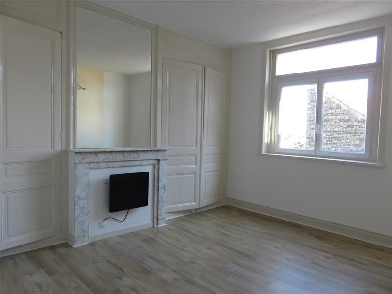 Sale apartment Coudekerque branche 110 000€ - Picture 1