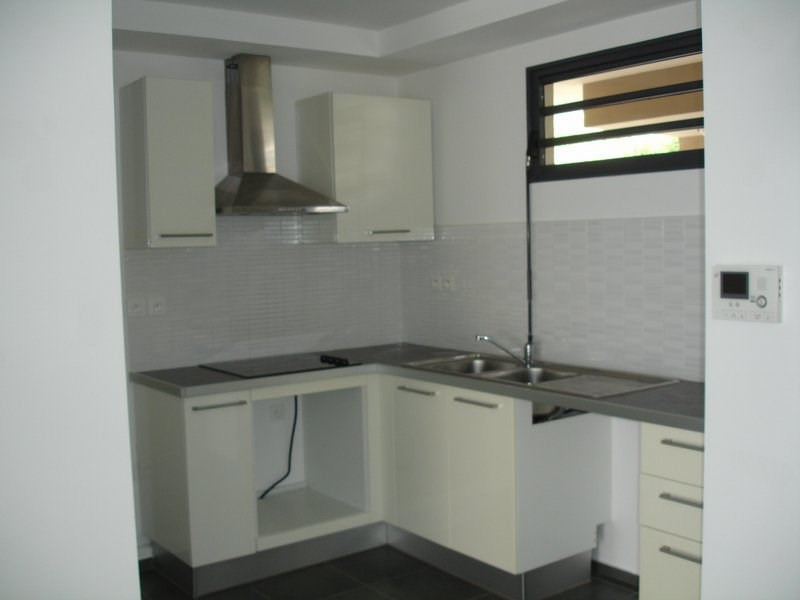 Location appartement St denis 833€ CC - Photo 3