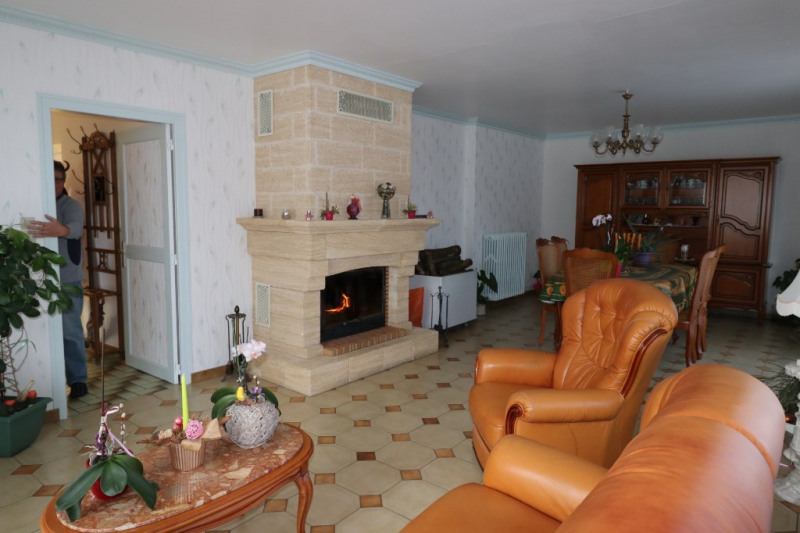 Vente maison / villa Fontaine la guyon 179000€ - Photo 3