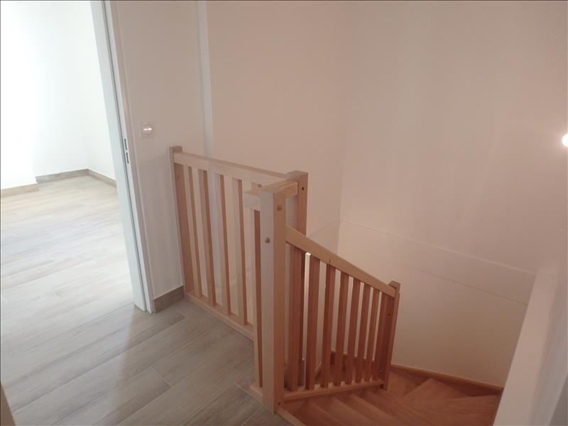 Rental apartment Buc 2 124€ CC - Picture 7