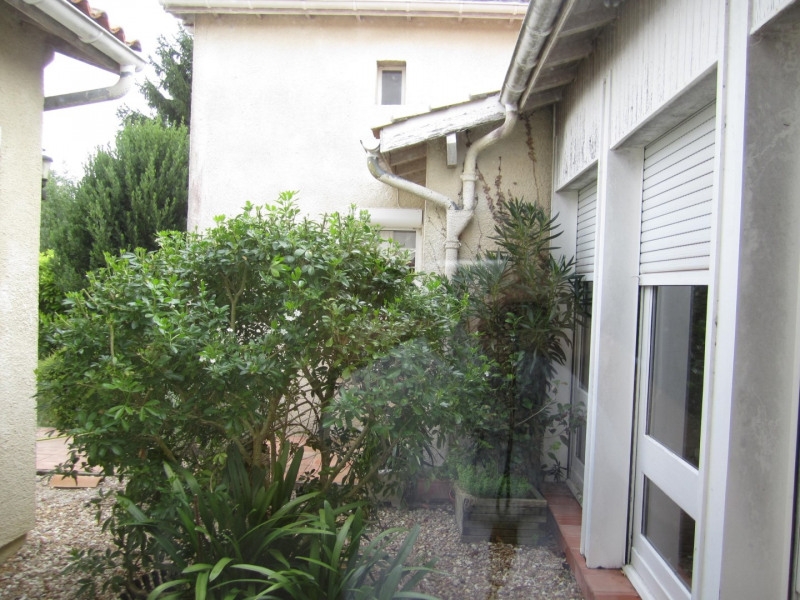 Sale house / villa Barbezieux saint- hilaire 126000€ - Picture 1