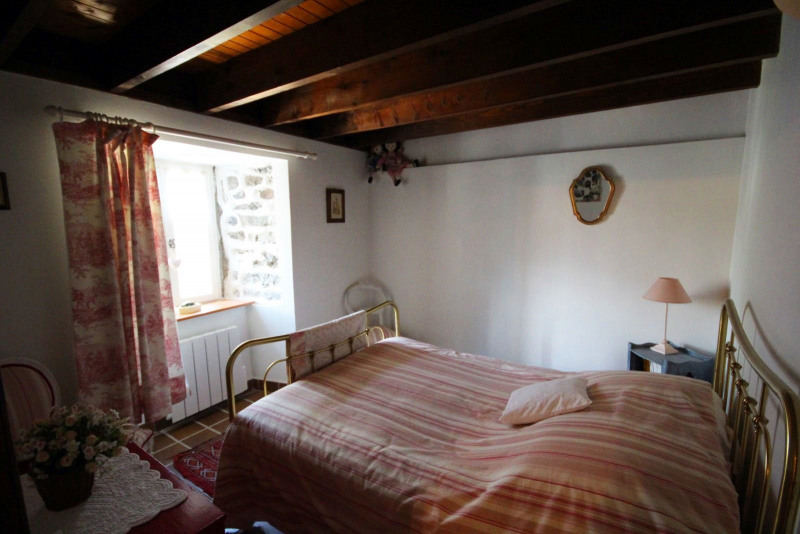 Sale house / villa Queyrieres 235000€ - Picture 6