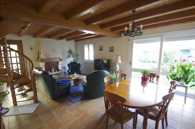 Sale house / villa Surgeres 248 000€ - Picture 3