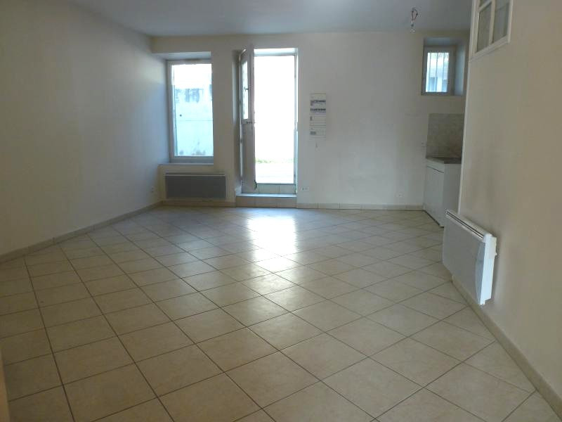 Location appartement Hauterives 520€ +CH - Photo 3