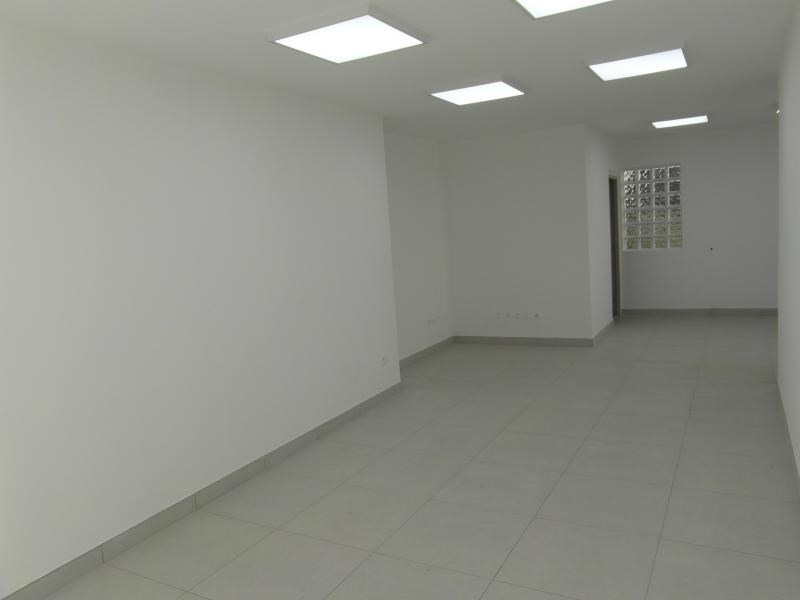 Rental empty room/storage St denis 1 450€ HT/HC - Picture 3