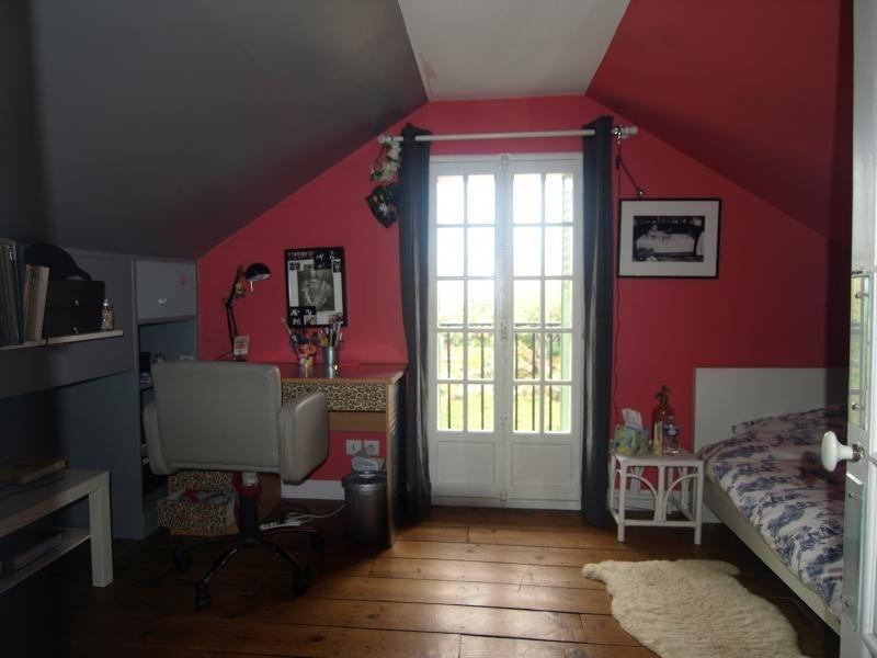 Sale house / villa Montfort l amaury 460000€ - Picture 5