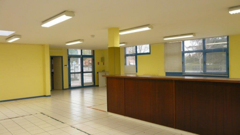 Location local commercial Castanet-tolosan 1 787€ CC - Photo 5