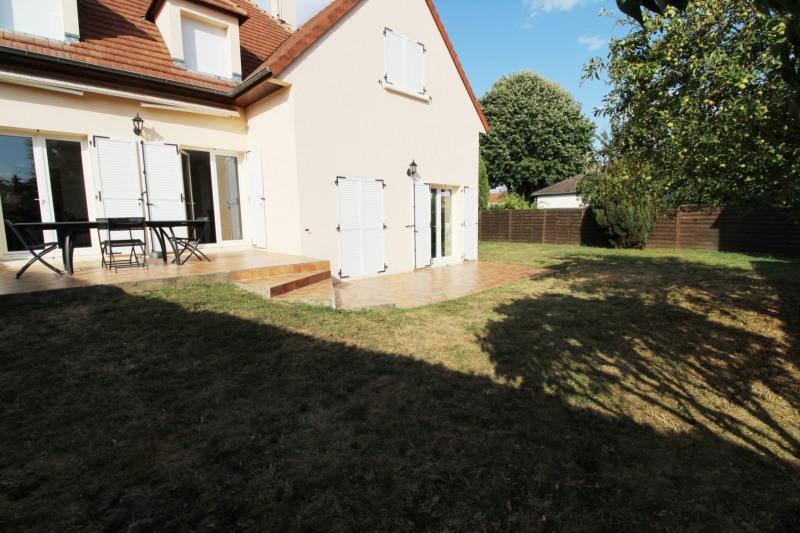 Rental house / villa Maurepas 1896€ CC - Picture 8