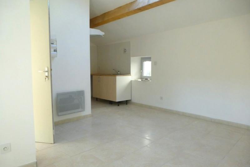 Location appartement Saint-germain 343€ CC - Photo 3