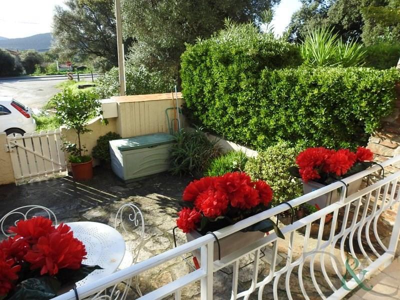 Bormes les Mimosas appartement traversant avec jardinet et p