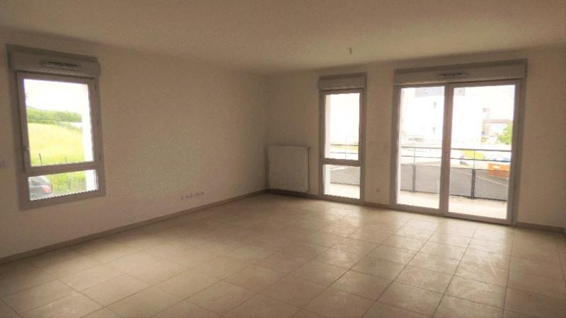 Rental apartment Gex 1498€ CC - Picture 1