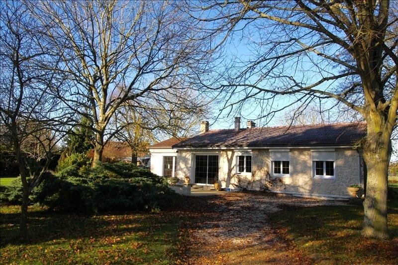 Sale house / villa Conches en ouche 199000€ - Picture 1