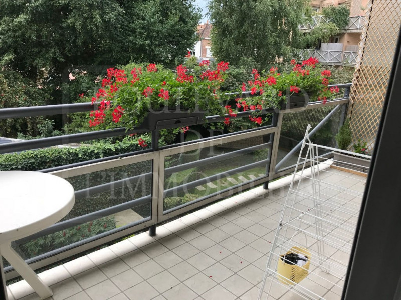 Sale apartment Lille 295 000€ - Picture 1