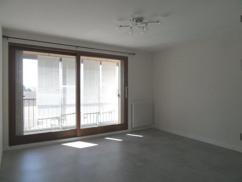 Rental apartment Troyes 659€ CC - Picture 3
