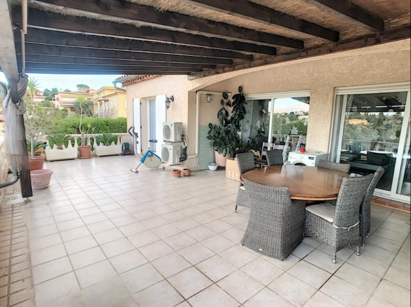Deluxe sale loft/workshop/open plan St laurent du var 670000€ - Picture 1