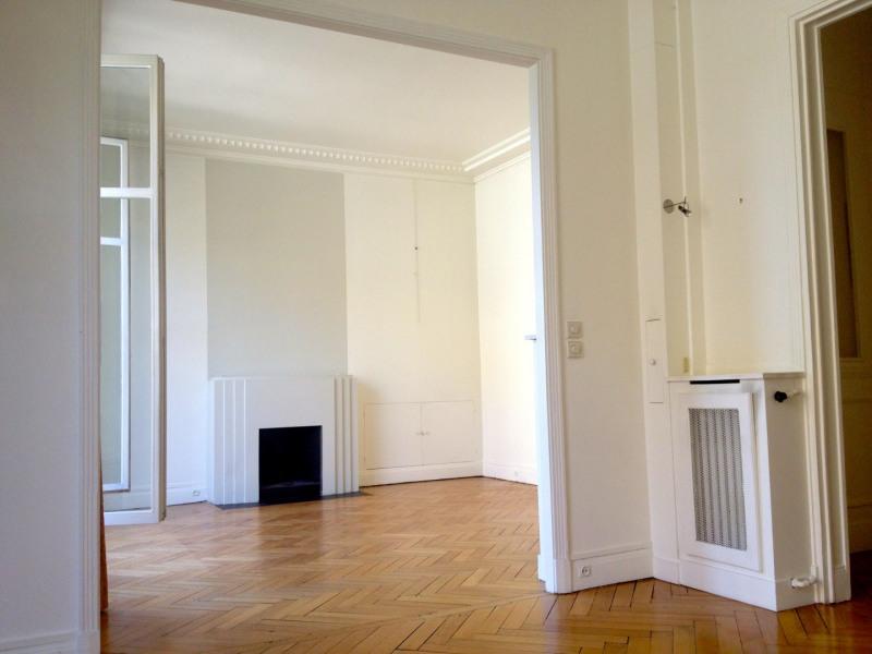 Rental apartment Paris 16ème 3380€ CC - Picture 3