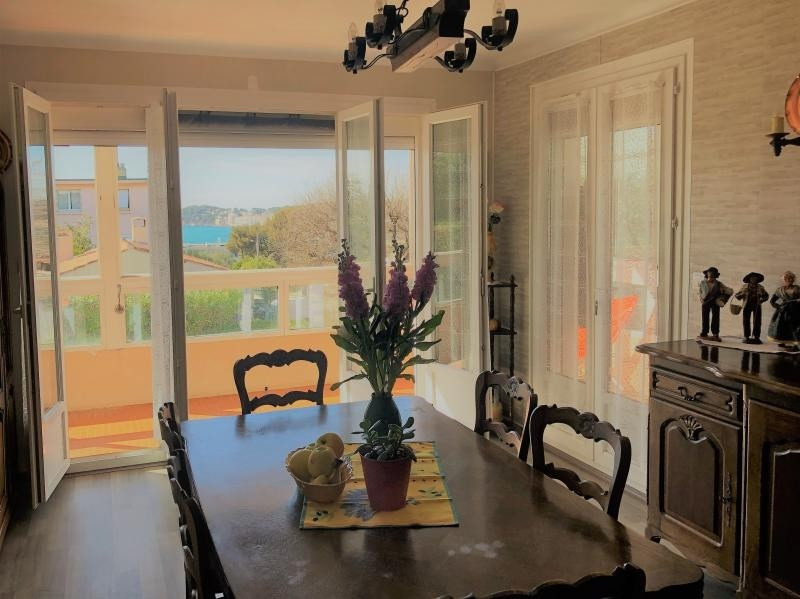 Sale apartment Six fours les plages 372 000€ - Picture 1