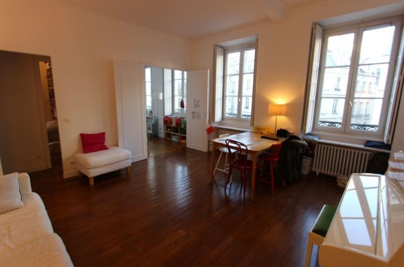 Deluxe sale apartment Paris 3ème 1 079 000€ - Picture 3