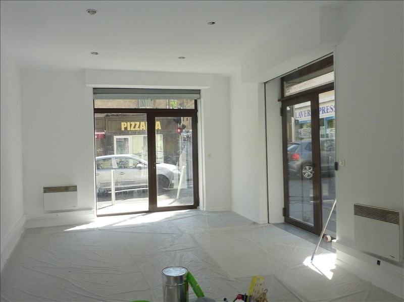 Location local commercial Marseille 1er 667€ HT/HC - Photo 2
