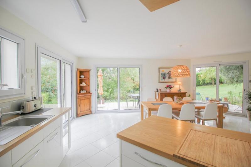 Deluxe sale house / villa Brison saint innocent 735000€ - Picture 1