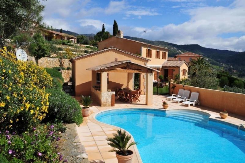 Deluxe sale house / villa Seillans 895000€ - Picture 1