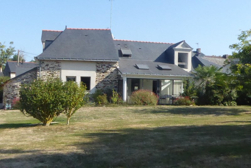 Deluxe sale house / villa Angers 10 mn sud 457 000€ - Picture 2