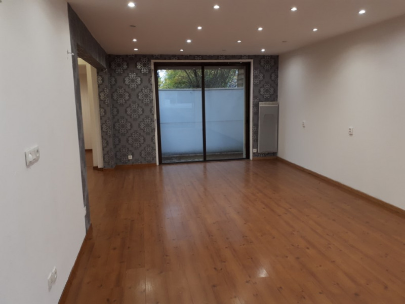 Rental empty room/storage Saint omer 680€ CC - Picture 3