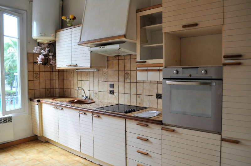 Sale apartment Nice 165000€ - Picture 2