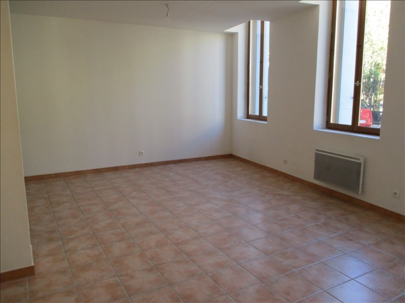Location appartement Salon de provence 615€ CC - Photo 1