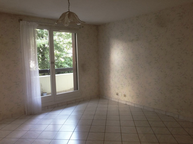 Location appartement Fontaine 700€ CC - Photo 5