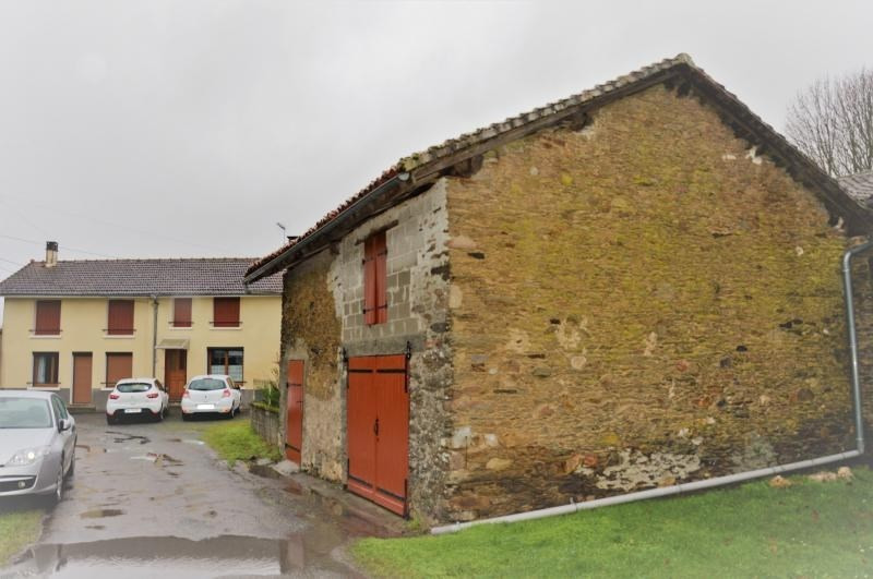 Sale house / villa Chalus 97200€ - Picture 1