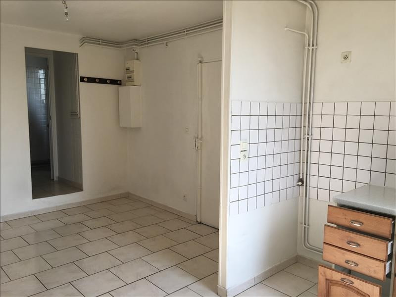 Location appartement Claye souilly 750€ CC - Photo 2