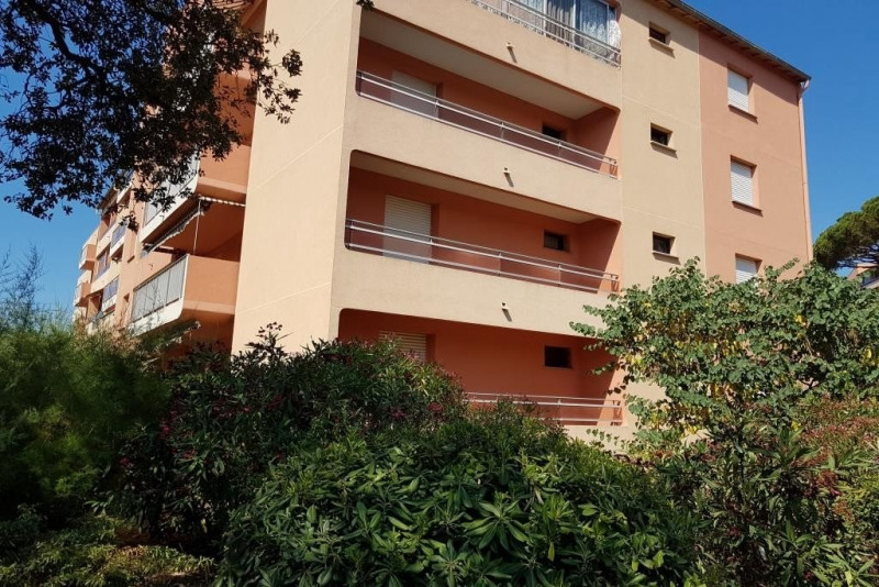 Sale apartment Ste maxime 110000€ - Picture 1