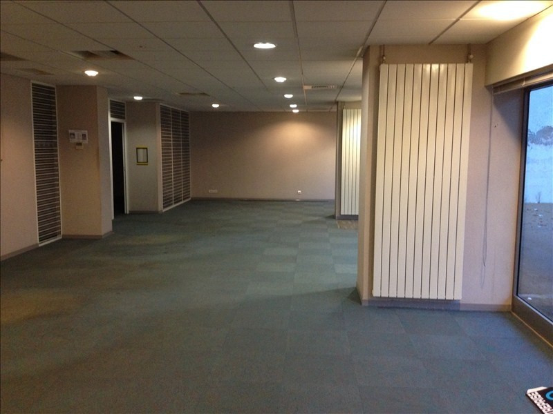 Location local commercial Cholet 1 875€ HT/HC - Photo 3