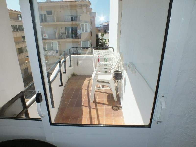 Location vacances appartement Roses santa-margarita 200€ - Photo 5
