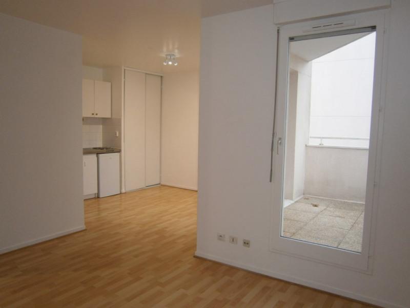 Rental apartment Montigny le bretonneux 672€ CC - Picture 1
