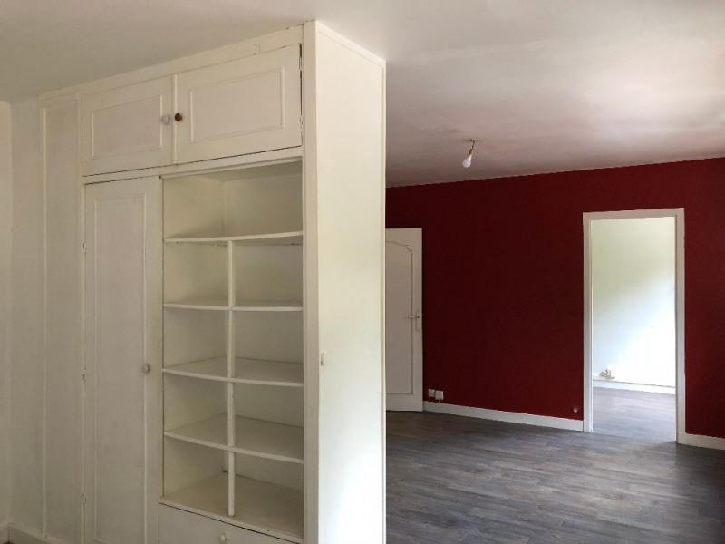 Rental apartment Poissy 868€ CC - Picture 2
