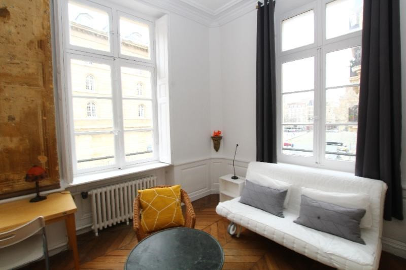 Location appartement Paris 6ème 2 090€ CC - Photo 1