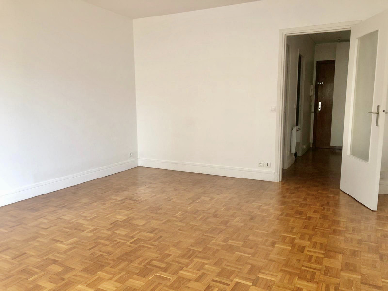 Rental apartment Paris 17ème 1 006€ CC - Picture 2
