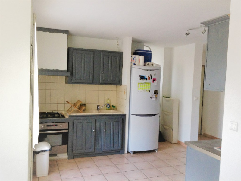 Sale apartment Meyrargues 190 000€ - Picture 2