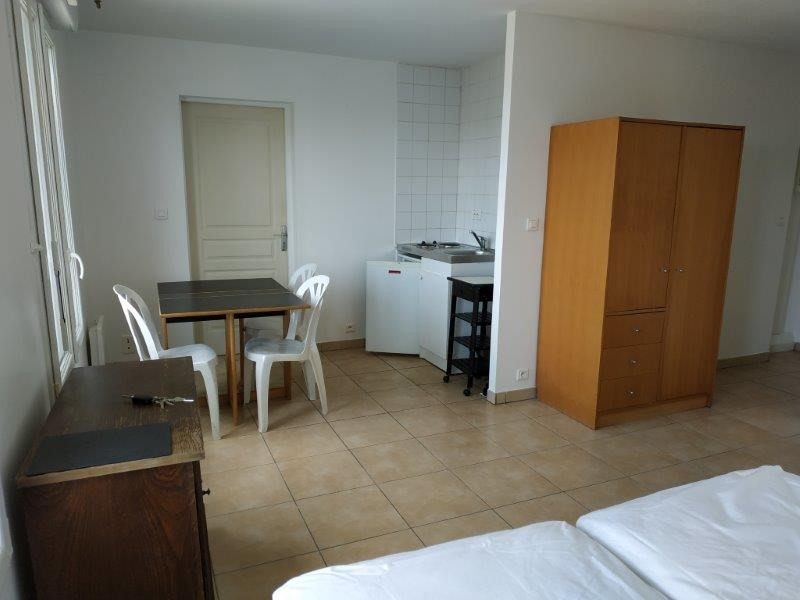 Location appartement Saint nazaire 407€ CC - Photo 2