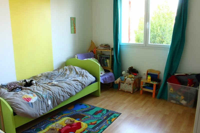 Sale house / villa Serignan du comtat 210000€ - Picture 5