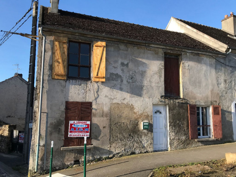 Sale house / villa Mouroux 150000€ - Picture 1