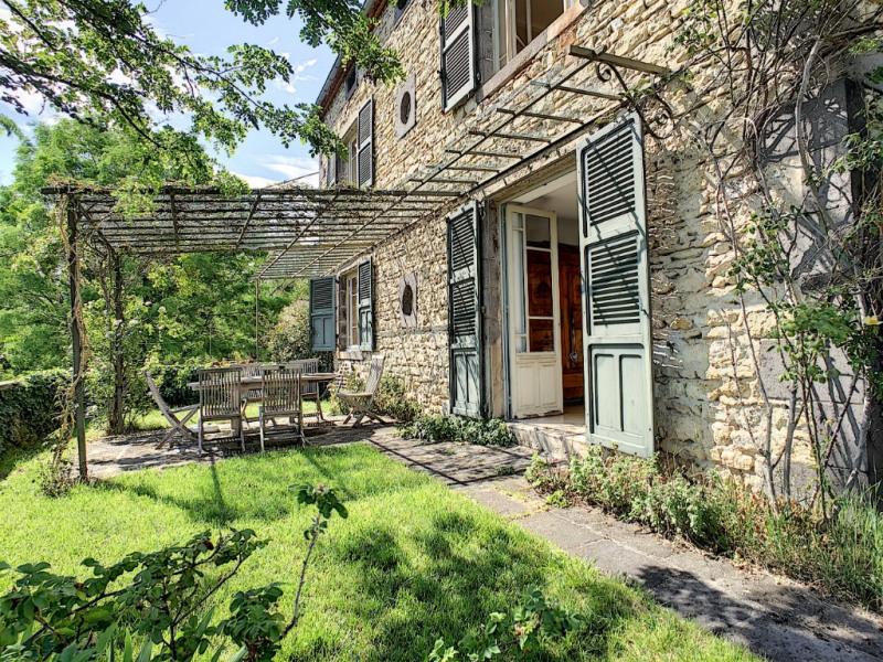 Deluxe sale house / villa Riom 570000€ - Picture 1