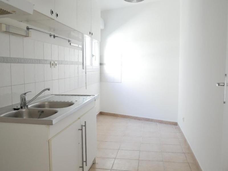 Location appartement Aix en provence 770€ CC - Photo 3