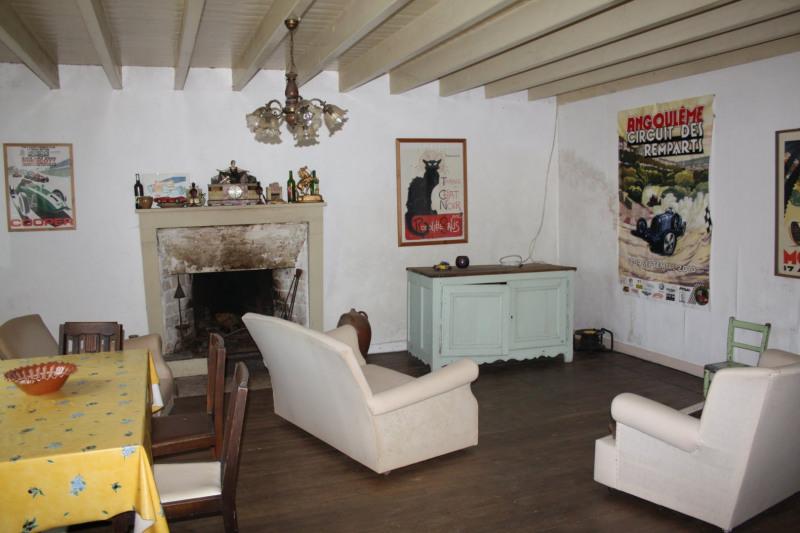 Vente maison / villa Chef-boutonne 60500€ - Photo 2