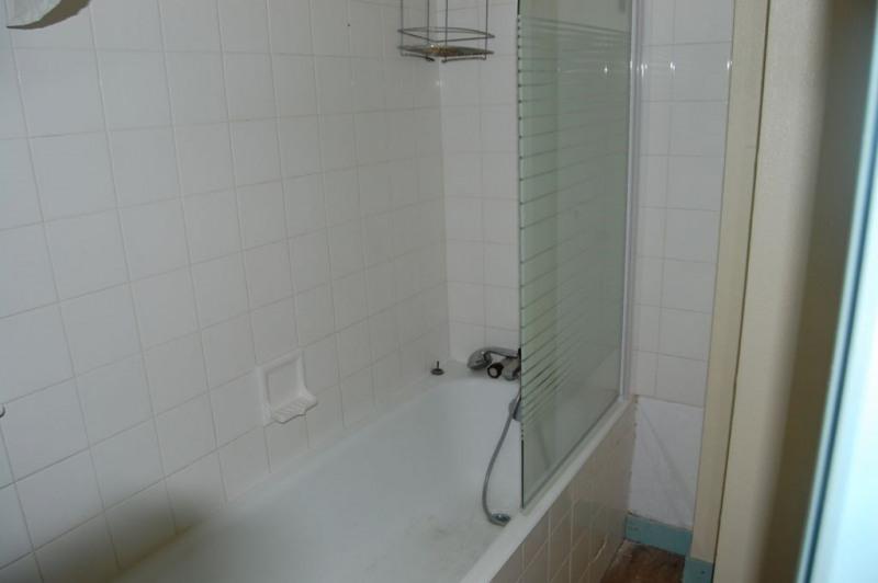 Location maison / villa La rochelle 842€ CC - Photo 6