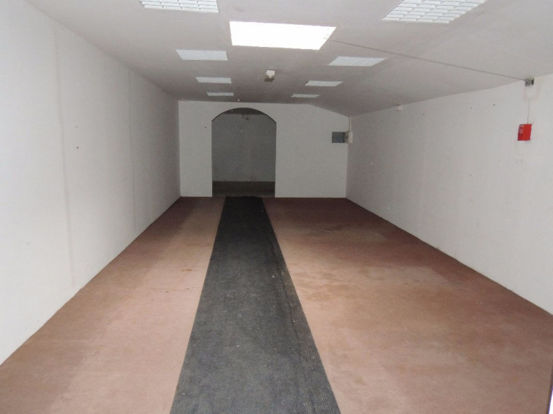 Sale empty room/storage Saint romain de benet 392 000€ - Picture 4